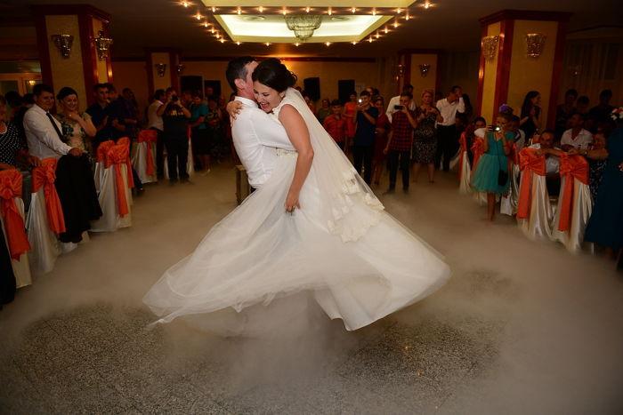 Taniec w chmurach - pierwszy taniec we mgle