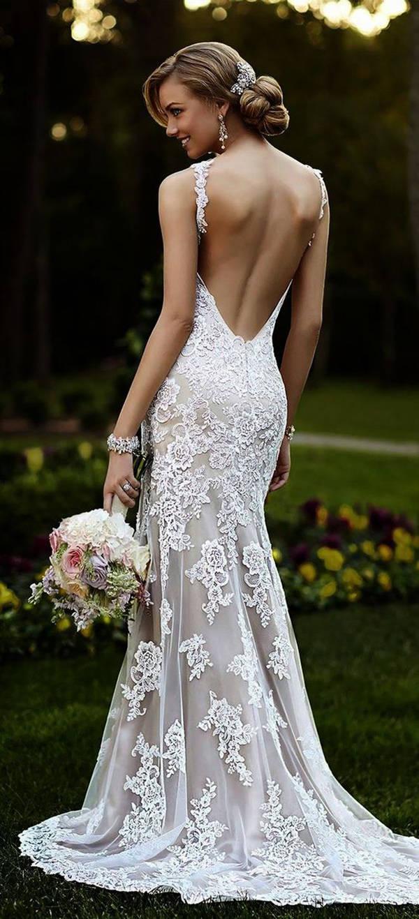 Suknia ślubna bez pleców- jakie fasony?